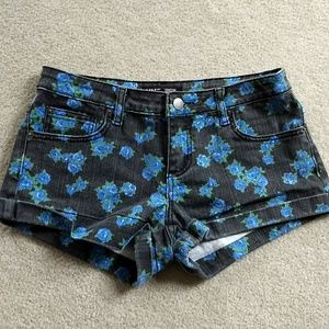 Forever 21 floral denim shorts size 27